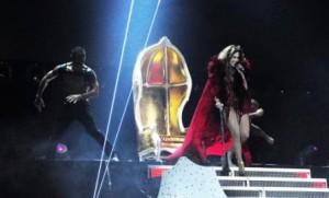 Goldthron für Jennifer Lopez (Bild: obs)